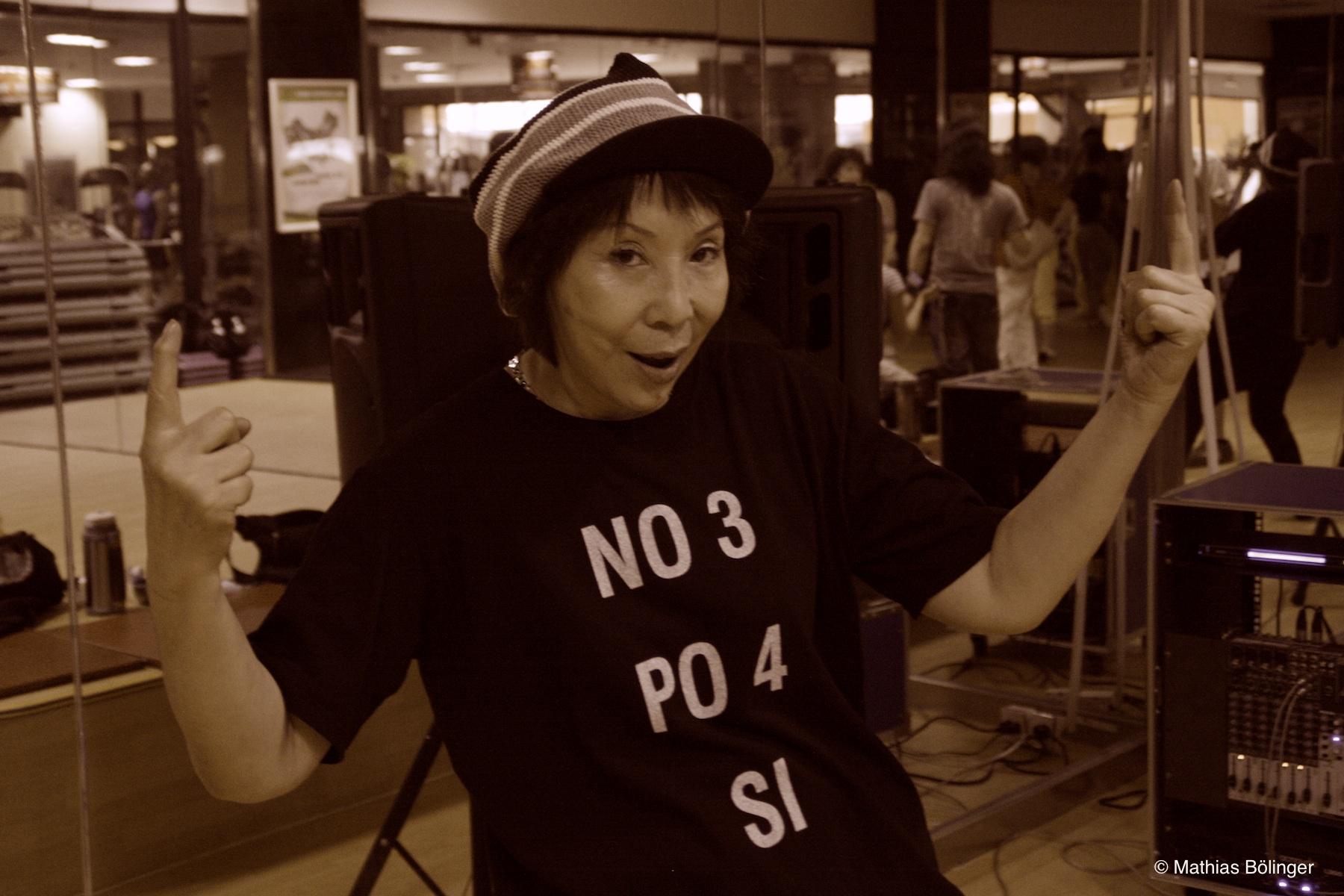 Breakdance-Oma